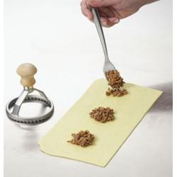 Découpe ravioles rond en bois et aluminium sablé