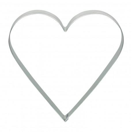Découpe pâte en forme de cœur